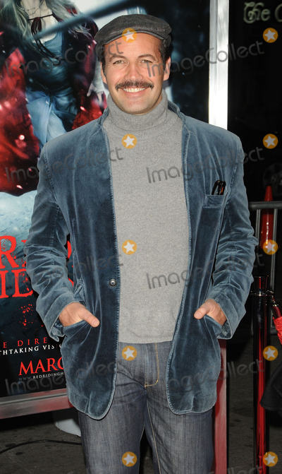 Zane Photo - Actor Billy Zane arriving at the premiere of Warner Bros Pictures Red Riding Hood at Graumans Chinese Theatre on March 7 2011 in Hollywood California