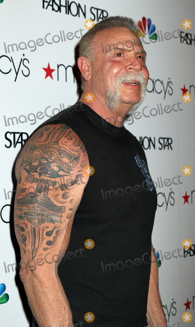 Elle Macpherson Photo - Paul Teutel Sr at Macys Celebrates Fashion Star With Elle Macpherson Nicole Richie And John Varvatos at Macys Herald Square on March 13 2012 in New York City