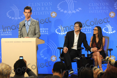JACK DORSEY Photo - Jack Dorsey speaks at the Clinton Global Initiative annual meeting in New York  on September 23 2010 in New York City