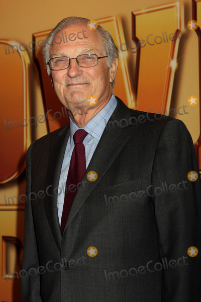 Alan Alda Photo - Alan Alda arriving at the world premiere of Tower Heist at the Ziegfeld Theatre on October 24 2011 in New York City