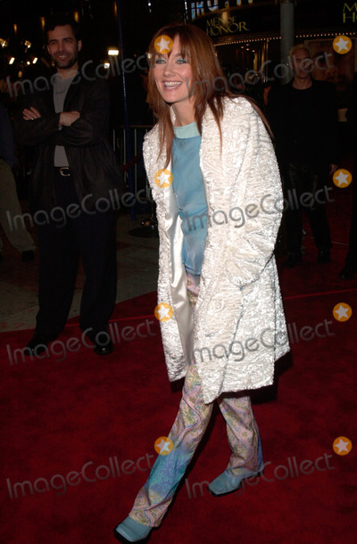 Lari White Photo - Country singer LARI WHITE at the Los Angeles premiere of Cast Away07DEC2000   Paul Smith  Featureflash
