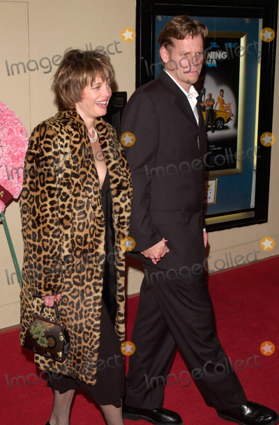 Al Corley Photo - 28FEB2000 Actress REBECCA BROUSSARD  actor AL CORLEY at the world premiere in Los Angeles of Drowning Mona which stars Bette Midler Neve Campbell Danny DeVito  Jamie Lee Curtis Paul Smith  Featureflash