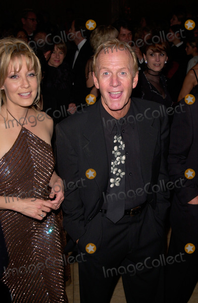 Linda Kozlowski Photo - Actor PAUL HOGAN  actress wife LINDA KOZLOWSKI at the Carousel of Hope Ball 2000 at the Beverly Hilton Hotel28OCT2000   Paul Smith  Featureflash