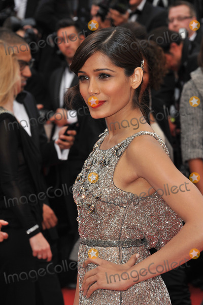 Freida Pinto Photo - Freida Pinto at the gala premiere of Young  Beautiful (Jeune  Jolie) in competition at the 66th Festival de CannesMay 16 2013  Cannes FrancePicture Paul Smith  Featureflash
