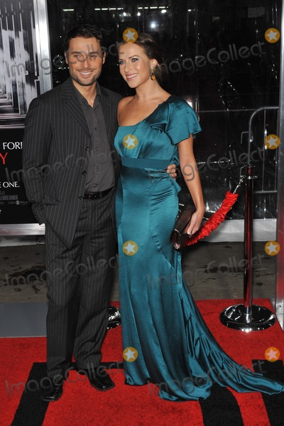 Alec Mazo Photo - Edyta Sliwinska  husband Alec mazo at the premiere of Extraordinary Measures at Graumans Chinese Theatre HollywoodJanuary 19 2010  Los Angeles CAPicture Paul Smith  Featureflash