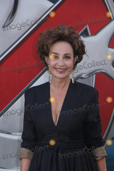 Annie Potts Photo - Annie Potts 07092016 The Los Angeles Premiere of gGhostbustersh held at the TCL Chinese Theatre in Hollywood CA Photo by Izumi Hasegawa  HollywoodNewsWireco