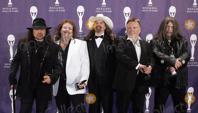 Artimus Pyle Photo - (L-R) Inductees Garry Rossington BIlly Powell Artimus Pyle Ed King and Bob Burns of Lynyrd Skynyrd pose backstage during the 21st Annual Rock And Roll Hall Of Fame Induction Ceremony at the Waldorf Astoria March 13 2006 in