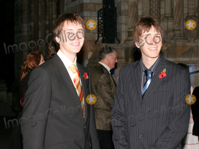 Oliver Phelps Photo - London James Phelps and Oliver Phelps at the Harry Potter after party at the Natural History MuseumNovember 6th 2005Picture by FlashburstLandmark Media