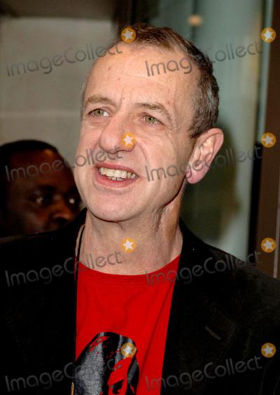 Arthur Smith Photo - London Arthur Smith arriving at the Critics Circle Theatre Awards held at the Prince of Wales Theatre30 January 2007Ali KadinskyLandmark Media