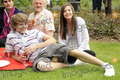 Anthony Worrall-Thompson Photo - LondonUK Thomas Law Anthony Worral Thompson and Madeline Duggan  at the National Family Week Launch VIP Picnic held at Regents Park in London 25th May 2009 Can NguyenLandmark Media