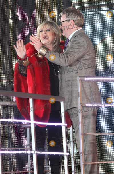 Linda Nolan Photo - London UK Jim Davidson and Linda Nolan  at Channel 5s Celebrity Big Brother Launch Night at Elstree Studios Borehamwood Hertfordshire  3rd January 2014RefLMK73-46314-040114Keith MayhewLandmark MediaWWWLMKMEDIACOM