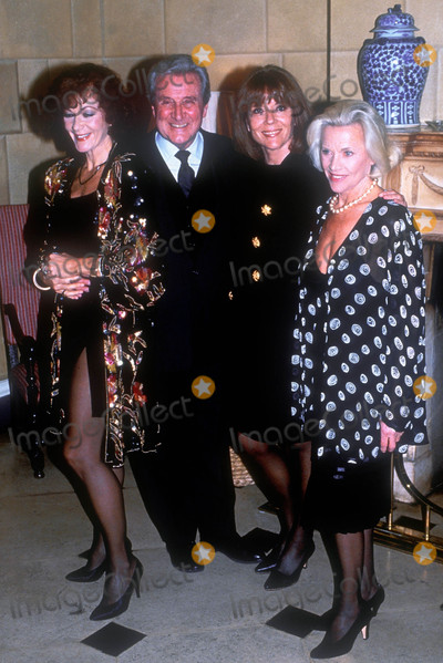 Honor Blackman Photo - London UK Patrick Mcnee Linda Thorson Honor Blackman and Diana Rigg  Reunion in 1995 RefLMK75-LIB260615-001 Mark BeltranPIP-Landmark MediaWWWLMKMEDIACOM
