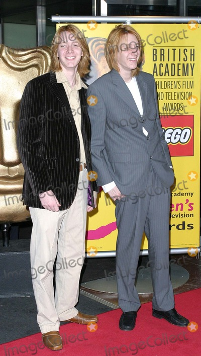 Oliver Phelps Photo - London Oliver Phelps and James Phelps at the BAFTA Childrens Film and Television Awards held at the London Hilton28 November 2004Paulo PirezLandmark Media