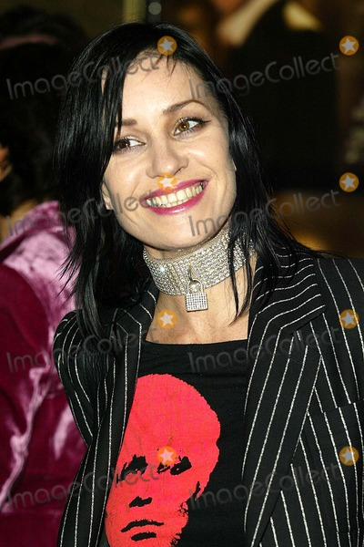 Bananarama Photo - London  Sioban Fahey (BananaramaShakespears Sister) arrives at the premiere of Alfie at Leicester Square14 October 2004