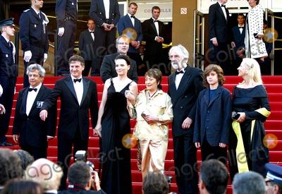 Annie Girardot Photo - Cannes Film Festival 2005 Cast of Cache Micheal Haneke Annie Girardot Juliette Binoche Daniel Auteuil Photo Fred Santos  Omedias  Globe Photos Inc 2005