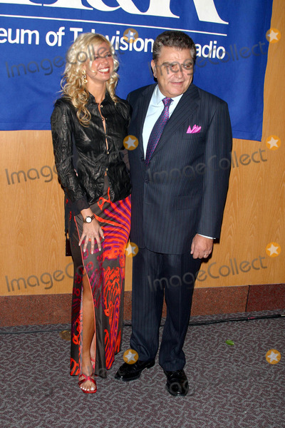 Sissi Fleitas Photo - 20th Anniversary William S Paley Television Festival Presents Sabado Gigante Directors Guild Theatre Complex Hollywood CA 03052003 Photo by Milan RybaGlobe Photos Inc 2003 Isabel Sissi Fleitas (Model Cohost) Don Francisco (Mario Kreutzberger)