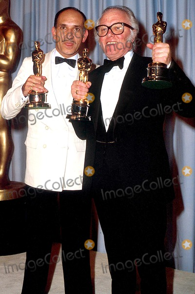Richard Attenborough Photo - Academy Awards  Oscar 12739 Richard Attenborough_ben Kingsley Photo Byphil RoachipolGlobe Photosinc