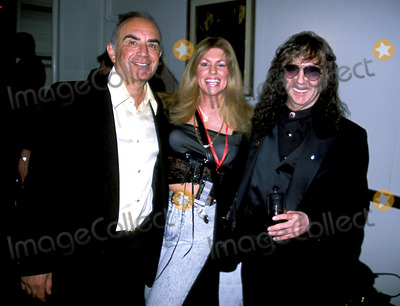 Phil Spector Photo - Sd0318 Rocknroll Hall of Fame Induction Ceremony at the Waldorf Astoria in New York City Phil Spector_robert Shapiro_susanne Depperman Photo Byrick MacklerrangefinderGlobe Photos Inc 2002 Philspectorretro