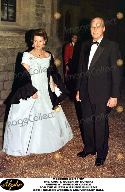 King Queen Photo - King Harald V and Queen Sonja of Norway Arrive at Windsor Castle For Tonights Ball in Celebration of the Queen  Duke 50th Wedding Anniversary