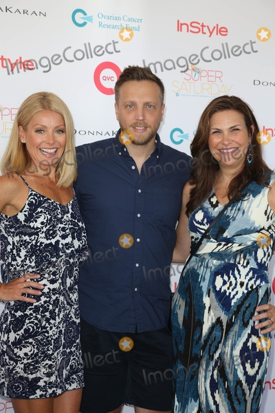 Ariel Foxman Photo - The Ovarian Cancer Research Funds Super Saturday 16 Sponsored by Qvc Novas Ark Project Water Mill NY July 27 2013 Photos by Sonia Moskowitz Globe Photos Inc 2013 Kelly Ripa Ariel Foxman