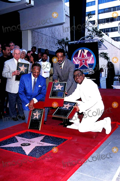 Abdul Fakir Photo - the Four Tops Honored with Star on the Hollywood Walk of Fame Abdul Fakir Levi Stubbs and Renaldo Benson Photo Fitzroy BarrettGlobe Photos Inc 1997 Renaldobensonretro