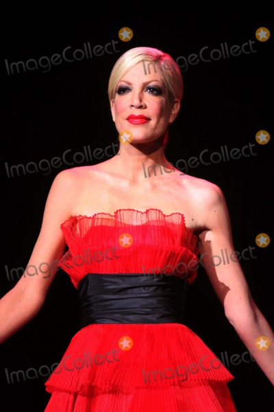Tori spelling pictures and photos for Spell mercedes benz