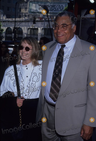 Cecilia Hart Photo - Earl James Jones with Cecilia Hart 1994 L8672mf Photo by Michael Ferguson-Globe Photos Inc