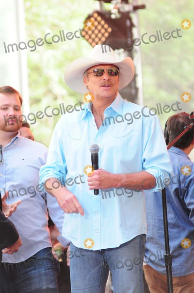 Alan Jackson Photo - Alan Jackson Rockefeller Center NY 07-17-15 Photo by - Ken Babolcsay IpolGlobe Photos