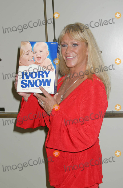 Marilyn Chambers Photo - Hollywood Collectors  Celebrities Show Beverly Garlands Holiday Inn North Hollywood CA 06262004 Photo by Ed GelleregiGlobe Photos Inc 2004 Marilyn Chambers