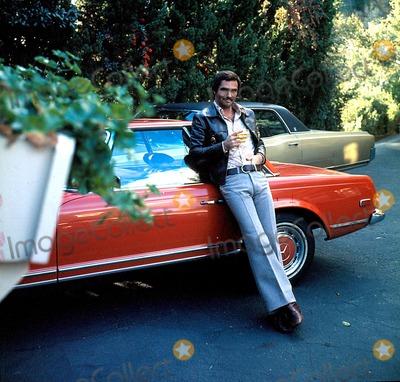 Burt Reynolds Photo - Burt Reynolds G1987 W ZurlindenGlobe Photos Inc