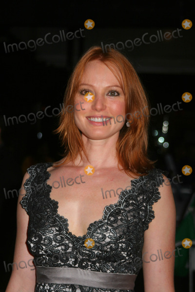 Alicia Witt Photo - Premiere of the Assassination of Jesse James by the Coward Robert Ford at the Ziegfeld Theatre  New York City 09-18-2007 Photo by Paul Schmulbach-Globe Photos Inc Alilcia Witt