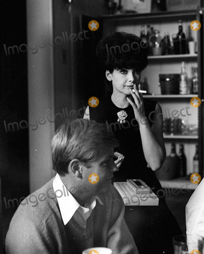 Troy Donahue Photo - Suzannepleshetteretro Suzanne Pleshette 20582 Photo by Don Ornitz-Globe Photos 02-1964 Suzanne Pleshette and Troy Donahue Celebrate Their One Month Anniversary