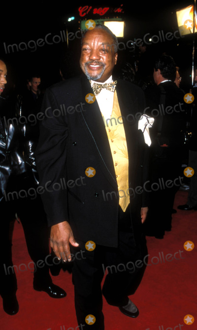 Paul Winfield Photo - Rogers  Hammersteins Cinderella Premiere Paul Winfield Photo by Fitzroy BarrettGlobe Photosinc 1997 Paulwinfieldretro