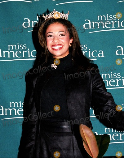 Erika Harold Photo - Sd092302 Miss America Press Confrencenyc Erika Harold Photo by William ReganGlobe Photosinc