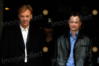 Gary Sinise Photo - the Season Finale Episode of Csi Miami For Spin Off Csi New York in New York City 482004 Photo Byjohn BarrettGlobe Photos Inc 2004 David Caruso and Gary Sinise