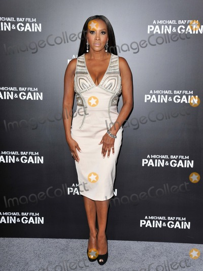 Vivica A Fox Photo - Vivica a Fox attending the Los Angeles Premiere of Pain and Gain Held at the Tcl Chinese Theatre in Hollywood California on April 22 2013 Photo by D Long- Globe Photos Inc