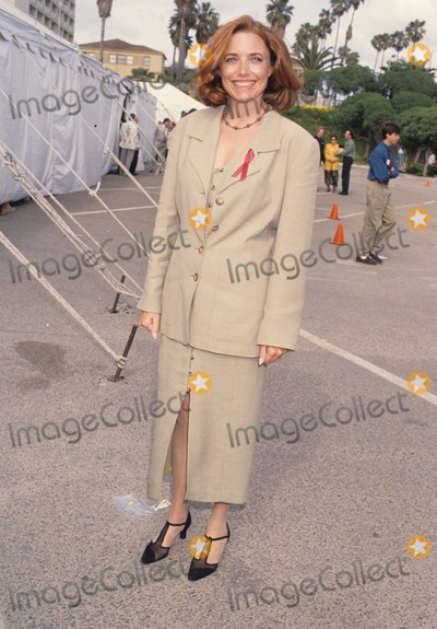 Karen Allen Photo - Karen Allen 1993 Photo by Lisa Rose-Globe Photos Inc