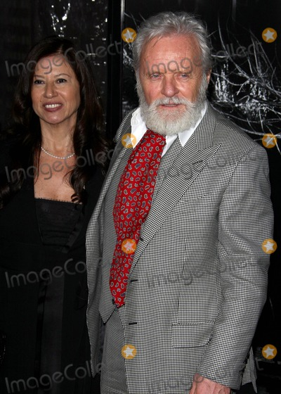 Stella Arroyave Photo - Stella Arroyave Anthony Hopkins Actor and Wife the Los Angeles Premiere of  the Wolfman Held at the Arclight Theater in Hollywoodca 02-09-2010 Photo by Graham Whitby-boot-allstar-Globe Photos Inc