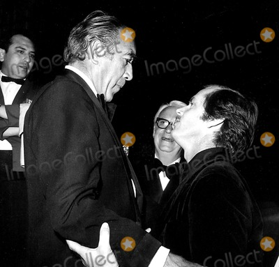 Anthony Quinn Photo - Academy Awards  Oscars (43rd) Anthony Quinn and Jack Nicholson 1971 1323 Nate CutlerGlobe Photos Inc