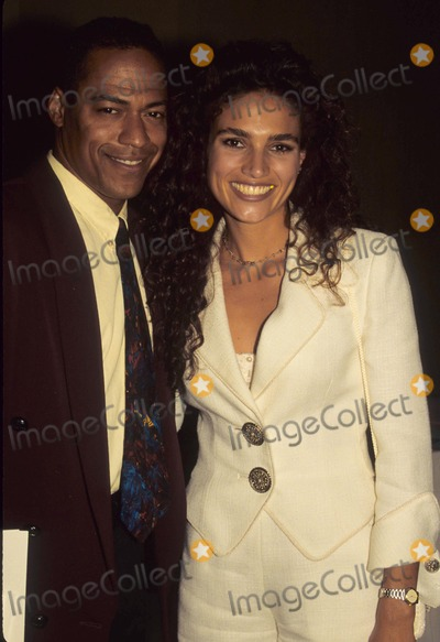 Wanda Acuna Photo - Wanda Acuna with Husband Sylk Cozart 1995 Photo by Michelson-Globe Photos Inc