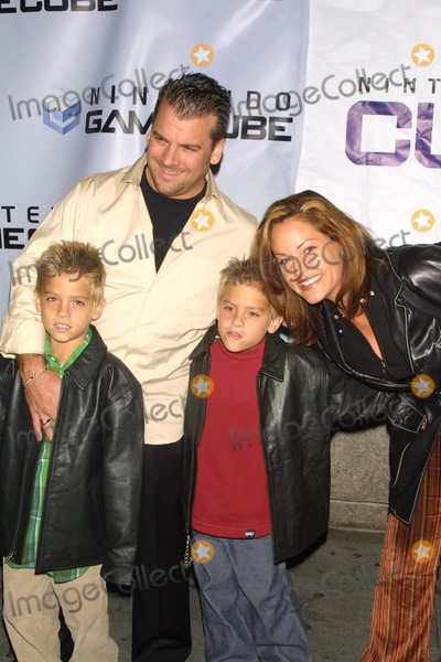 Dylan And Cole Sprouse Dad Cole Sprouse Pi...