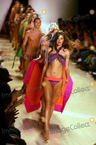 Amir Slama Photo - Olympus Fashion Week Rosa Cha by Amir Slama Spring 2005 Collection at Bryant Park in New York City 9102004 Photo by Rick MacklerrangefindersGlobe Photos 2004 Rosa Cha Fashion Runway Model