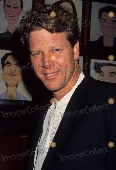 Alan Campbell Photo - Alan Campbell American Theatre Wings Annual Tony Time Party 1995 K1536rh Photo by Rose Hartman-Globe Photos Inc