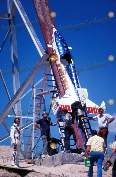 Evel Knievel Photo - Evek Knievel Snake River Canyon Rocket on Launcher Photo by Globe Photos