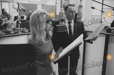 Nancy Sinatra Photo - Nancy Sinatra with Father Frank sinatraphoto by pt-globe Photos Inc
