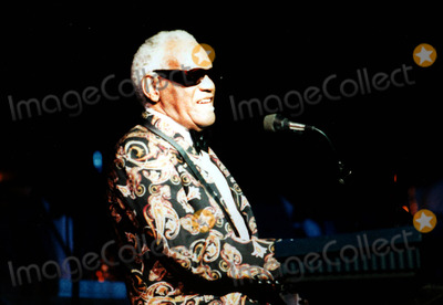 Ray Charles Photo - Sd0810 Ray Charles in Concert Live at Radio City Music Hall in New York City Photo Bybruce CotlerGlobe Photos Inc 1996 Raycharlesretro