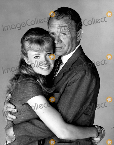 Hayley Mills Photo - John Mills with His Daughter Hayley Mills 7-10-1963 Photo by Ipol Arvhive-ipol-Globe Photos Inc