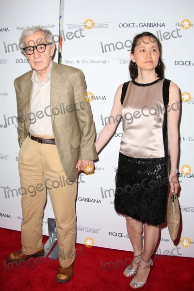 Soon-Yi Previn Photo - The New York Premiere of Magic in the Moonlight the Paris Theater NYC July 17 2014 Woody Allen Soon Yi Previn