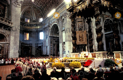 John Paul Photo - Mass in St Peters with Pope John Paul Ii Photo M Bastone  Globe Photos Inc 1993