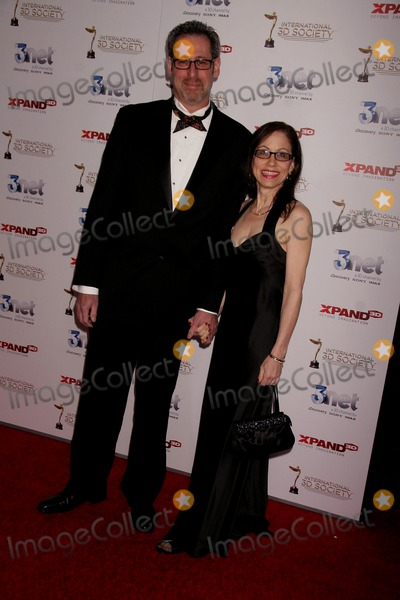 Arthur Andelson Photo - International 3d Society Hosts the 2nd Annual 3d Creative Arts Awards Graumans Chinese Theatre Hollywood CA 02092011 Arthur Andelson and Vicki Roberts photo Clinton H Wallace-photomundo-globe Photos Inc